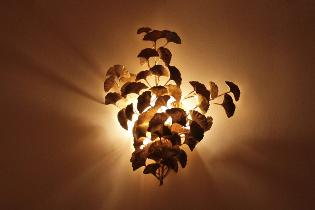 Ginkgo_Wall_Lamp_Veronica_Mar